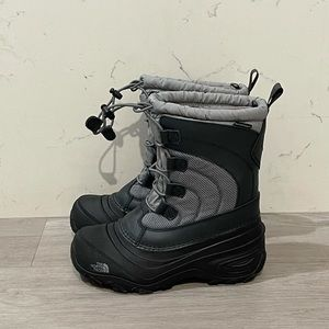 The North Face Youth Alpenglow IV Winter Boots